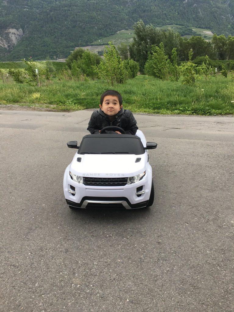 range rover evoque voiture enfant lectrique 12 volts. Black Bedroom Furniture Sets. Home Design Ideas